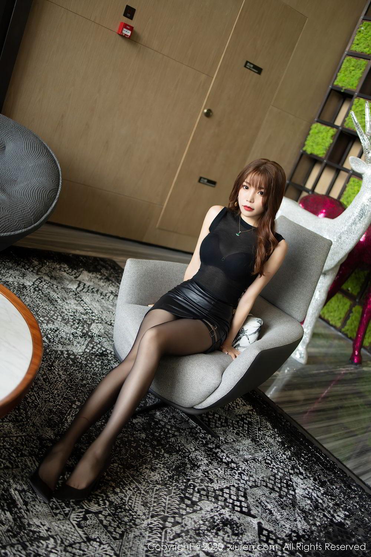 [XiuRen] Vol.2445 Zhi Zhi Booty 5P, Black Silk, Chen Zhi, Sexy, Street, Xiuren