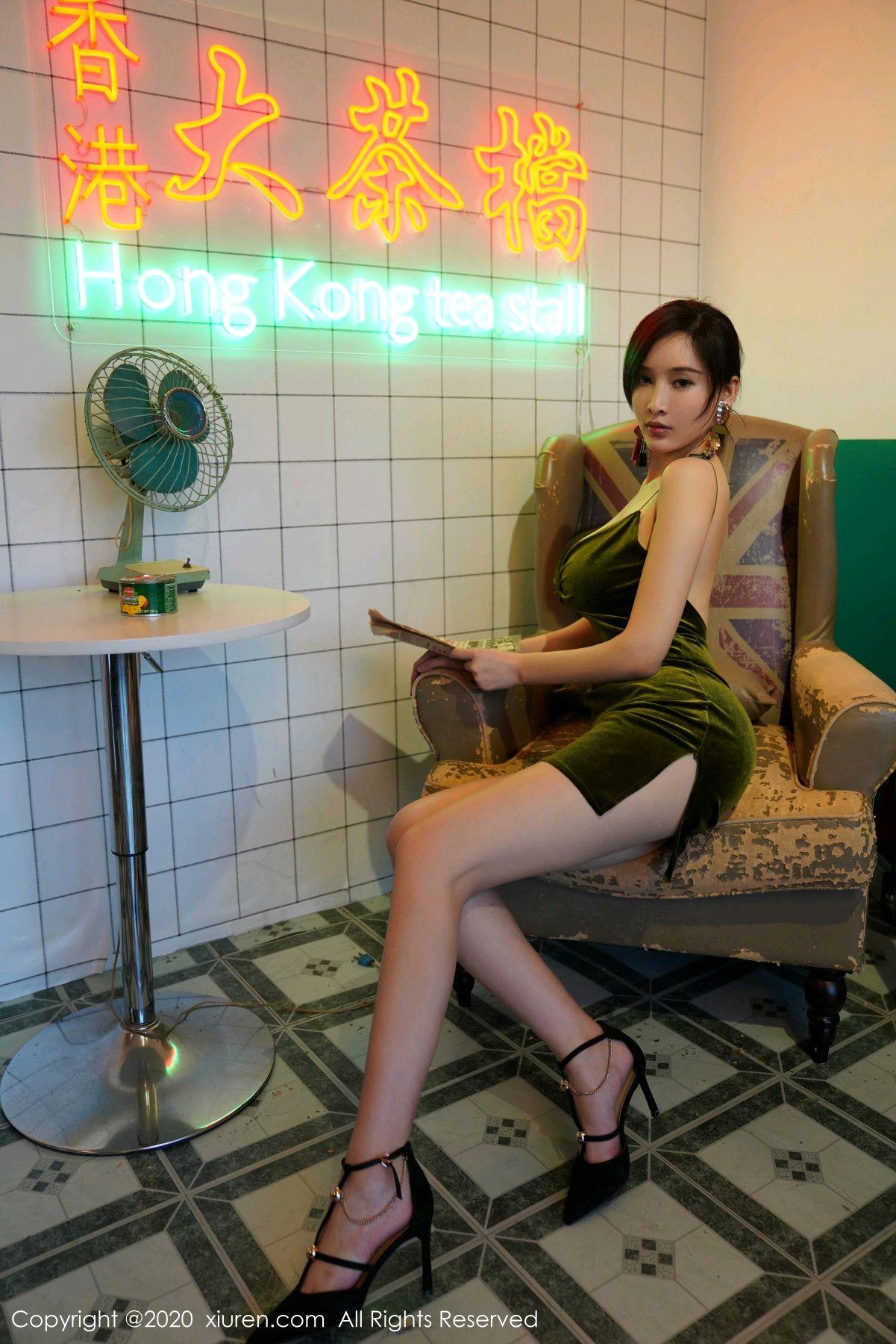 [XiuRen] Vol.2477 Tu Fei Yuan Ai Chuo QIong 10P, Sexy, Xiuren, Zhou Yan Xi
