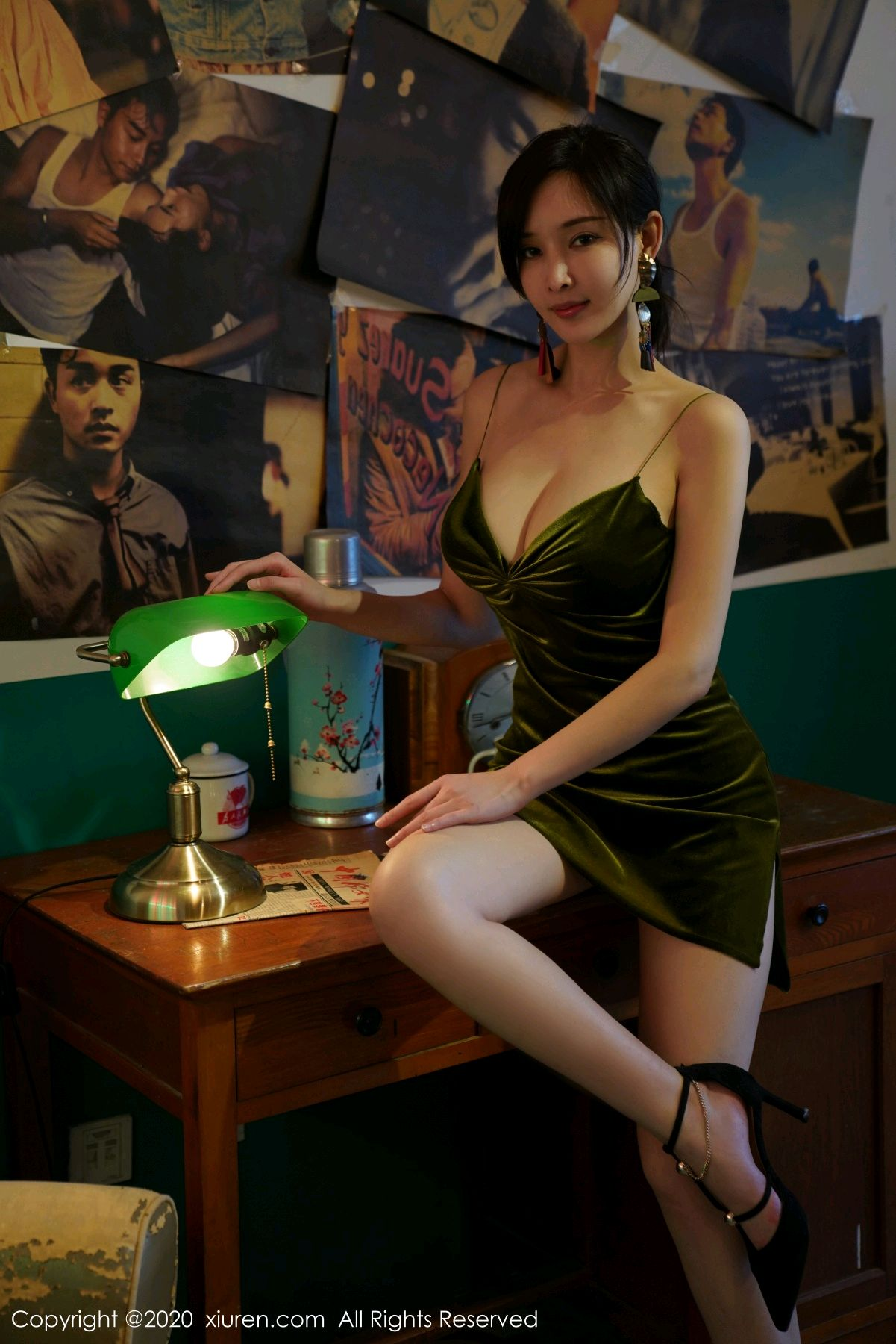 [XiuRen] Vol.2477 Tu Fei Yuan Ai Chuo QIong 17P, Sexy, Xiuren, Zhou Yan Xi