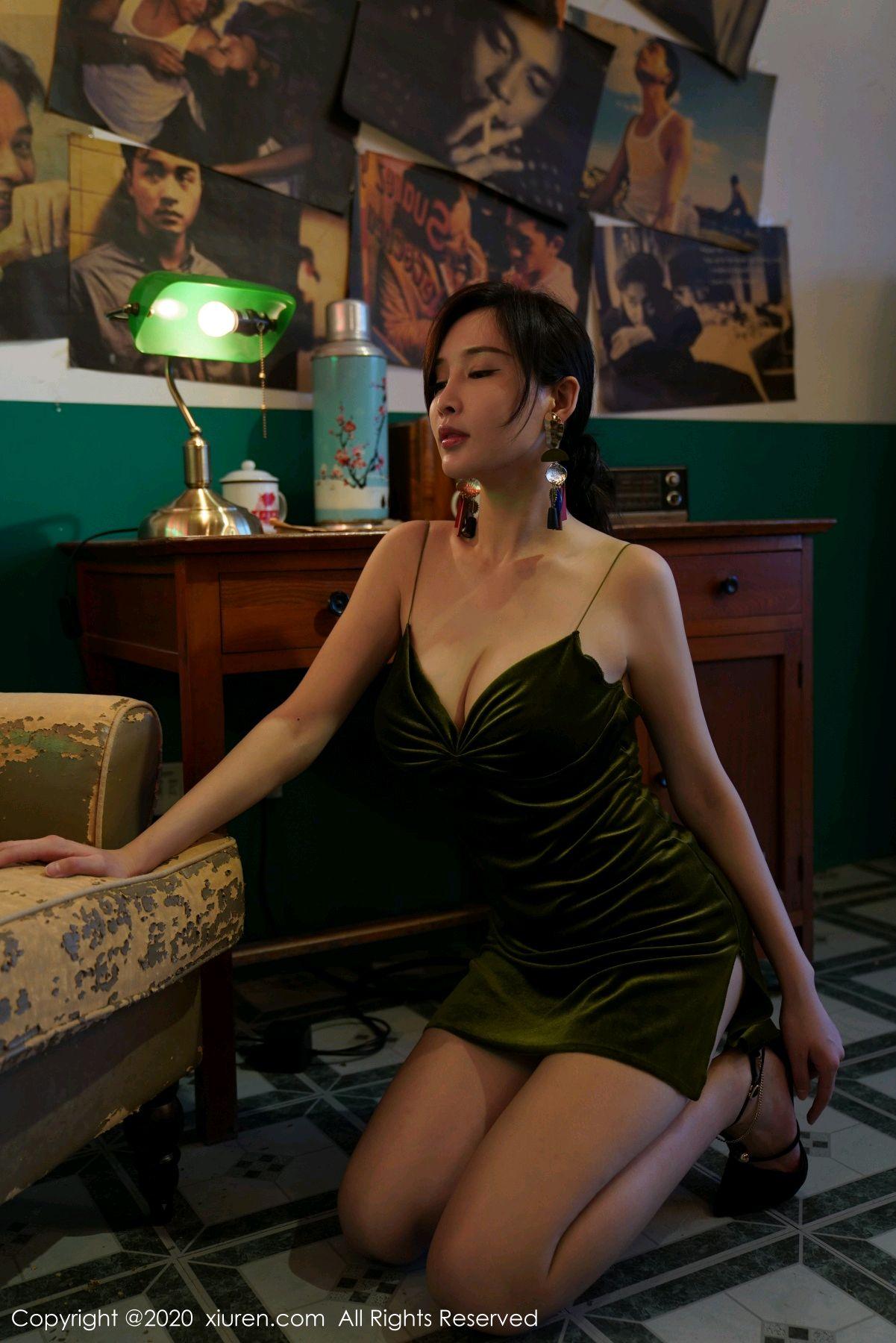 [XiuRen] Vol.2477 Tu Fei Yuan Ai Chuo QIong 27P, Sexy, Xiuren, Zhou Yan Xi