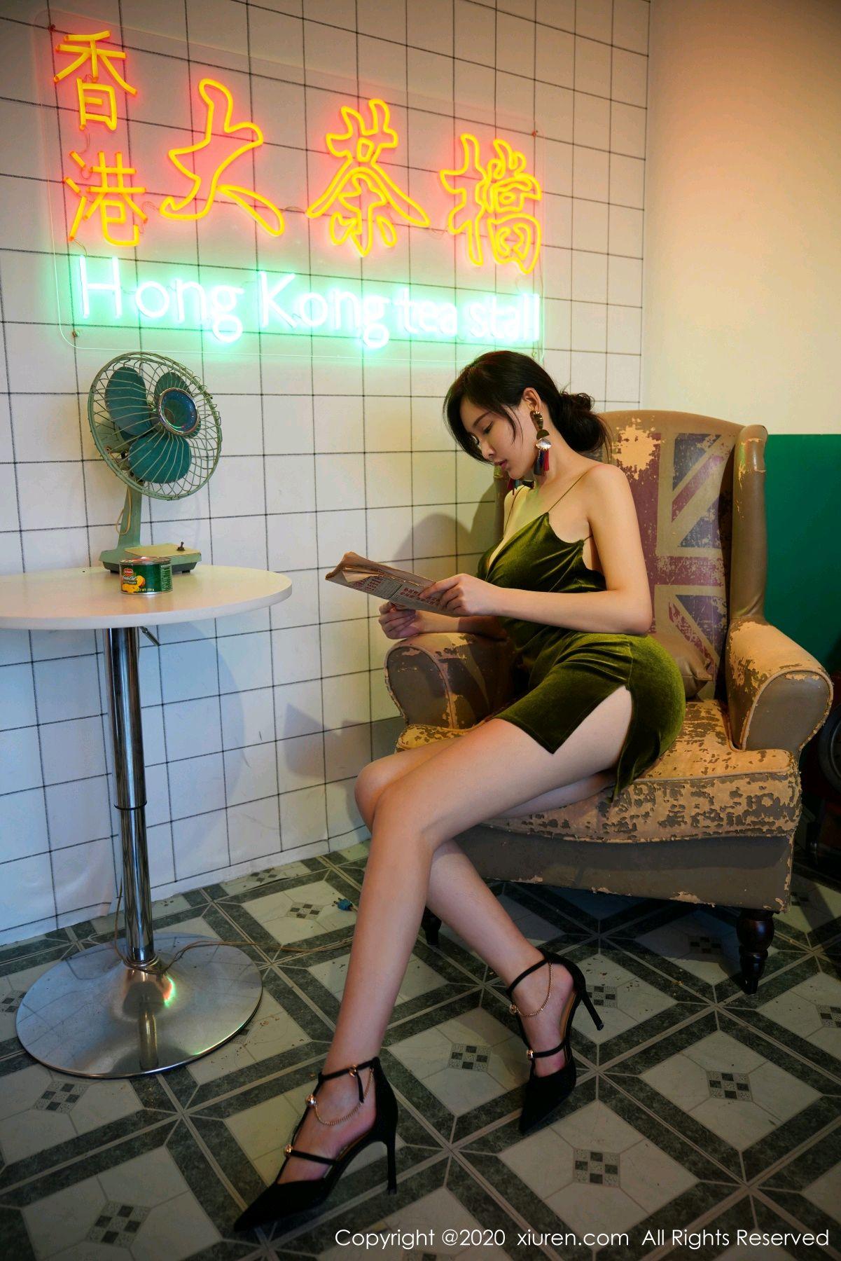 [XiuRen] Vol.2477 Tu Fei Yuan Ai Chuo QIong 2P, Sexy, Xiuren, Zhou Yan Xi