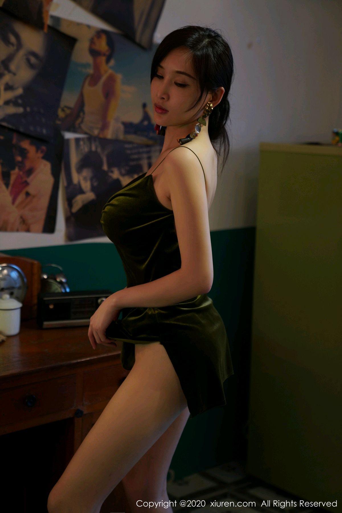 [XiuRen] Vol.2477 Tu Fei Yuan Ai Chuo QIong 32P, Sexy, Xiuren, Zhou Yan Xi