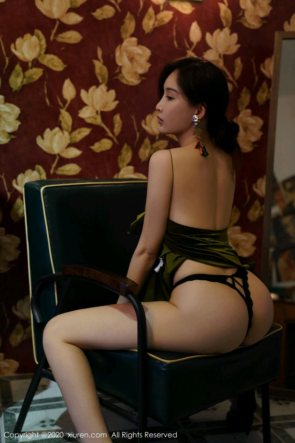 [XiuRen] Vol.2477 Tu Fei Yuan Ai Chuo QIong 46P, Sexy, Xiuren, Zhou Yan Xi