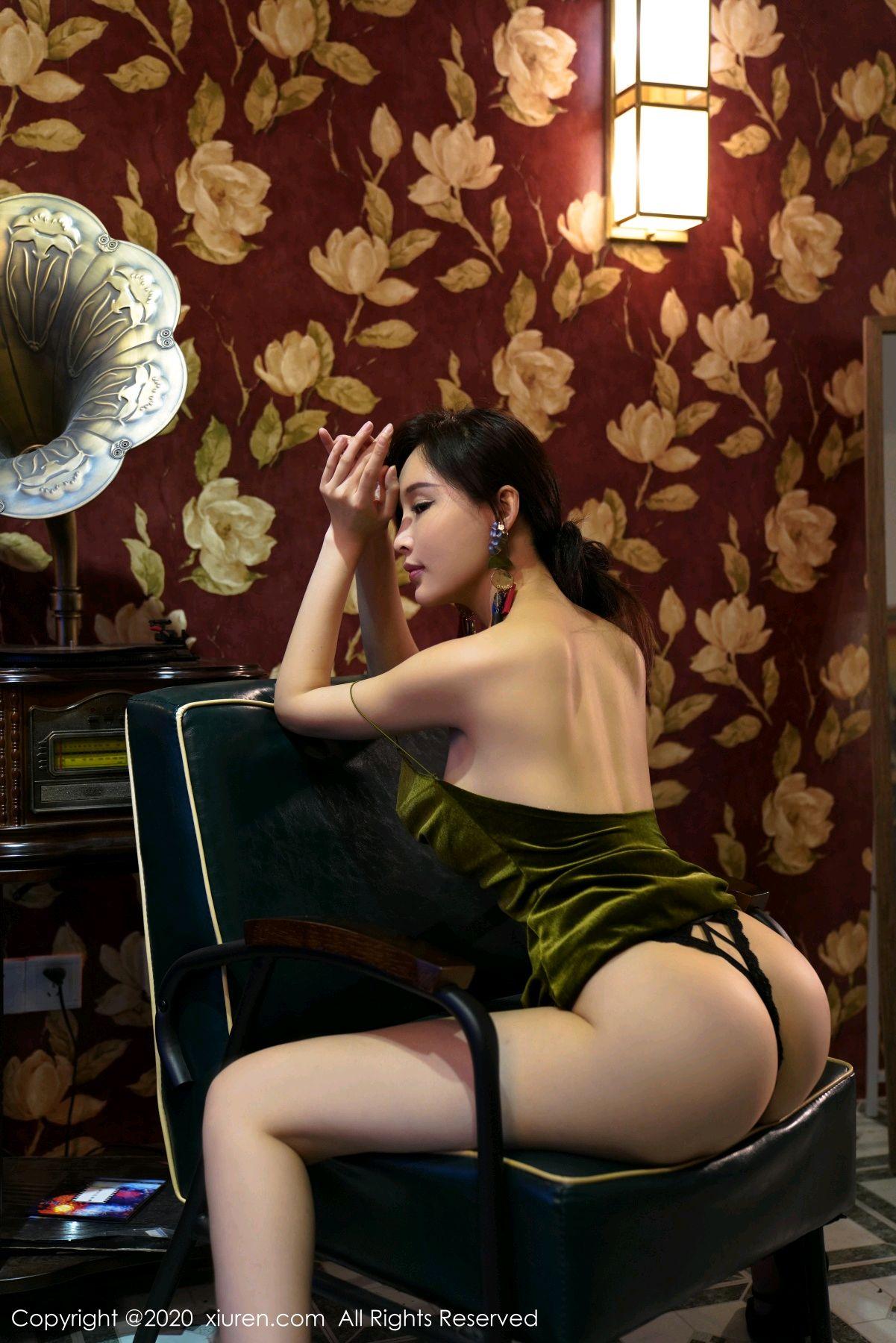 [XiuRen] Vol.2477 Tu Fei Yuan Ai Chuo QIong 50P, Sexy, Xiuren, Zhou Yan Xi