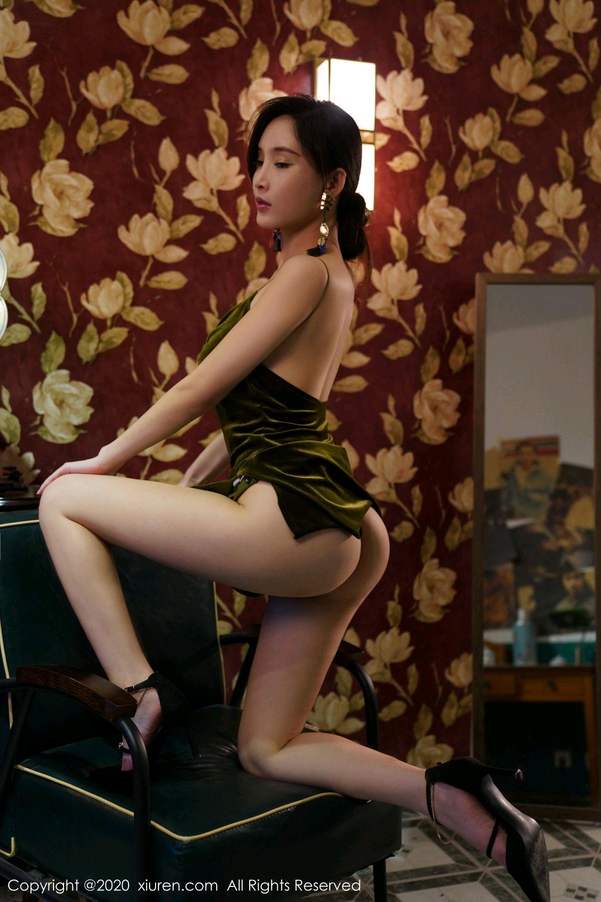 [XiuRen] Vol.2477 Tu Fei Yuan Ai Chuo QIong 52P, Sexy, Xiuren, Zhou Yan Xi