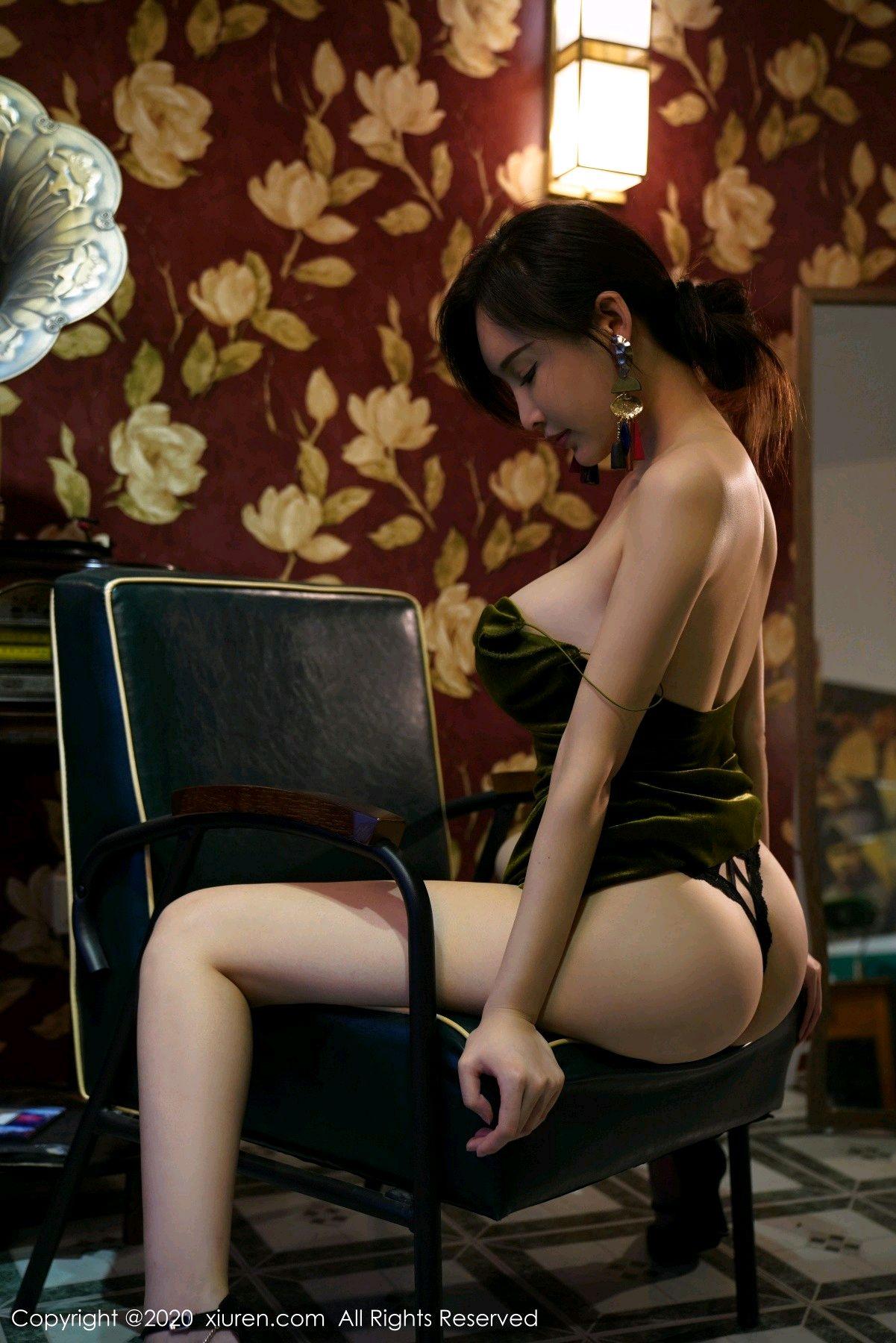 [XiuRen] Vol.2477 Tu Fei Yuan Ai Chuo QIong 6P, Sexy, Xiuren, Zhou Yan Xi