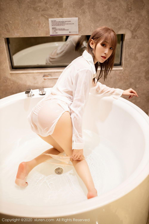 [XiuRen] Vol.2495 Zhou Mu Xi 17P, Bathroom, Slim, Wet, Xiuren, Zhou Mu Xi