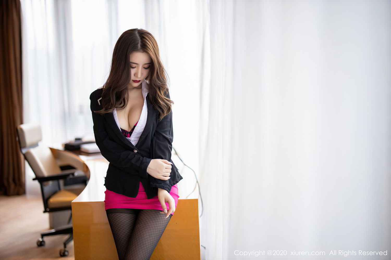 [XiuRen] Vol.2553 Fei Yue Ying 22P, Big Booty, Tall, Uniform, Xie Zhi Xin, Xiuren