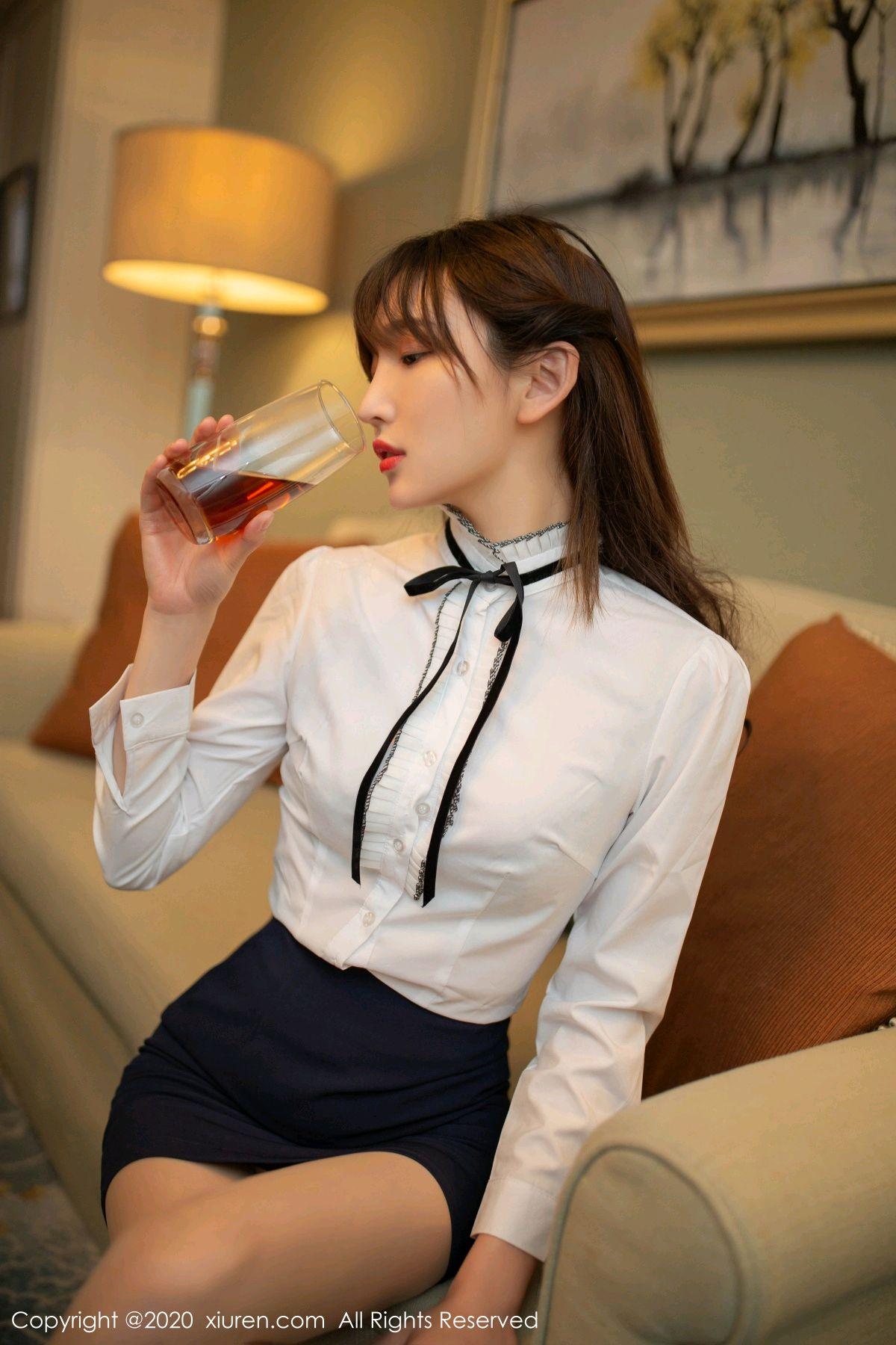 [XiuRen] Vol.2626 Secrets in mobile phones 9P, Chen Xiao Miao, Lu Xuan Xuan, School Uniform, Sisters, Xiuren