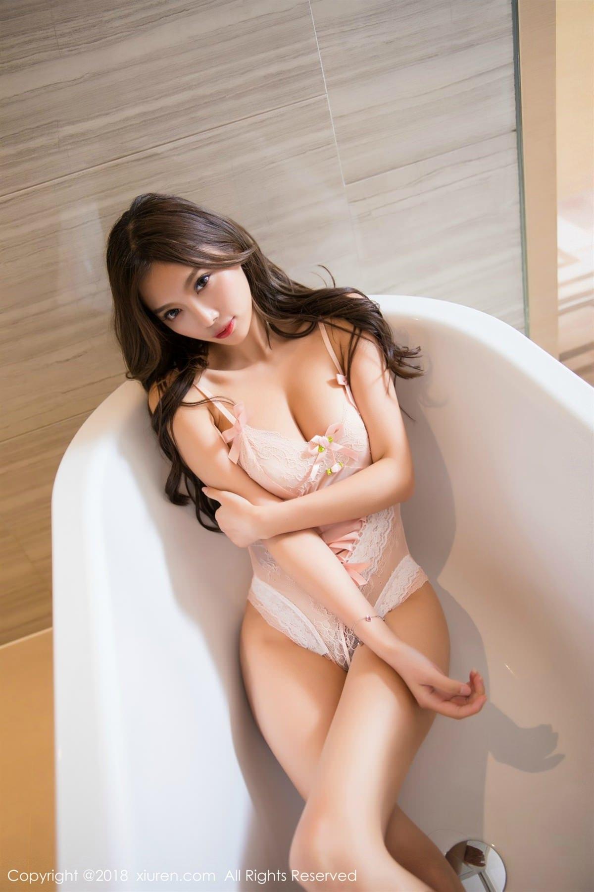 XiuRen No.1051 4P, Xiuren, Yang Chen Chen