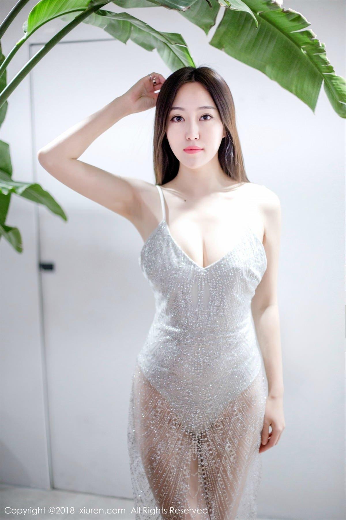 XiuRen No.1072 10P, Xiuren, Yi Wen Eva