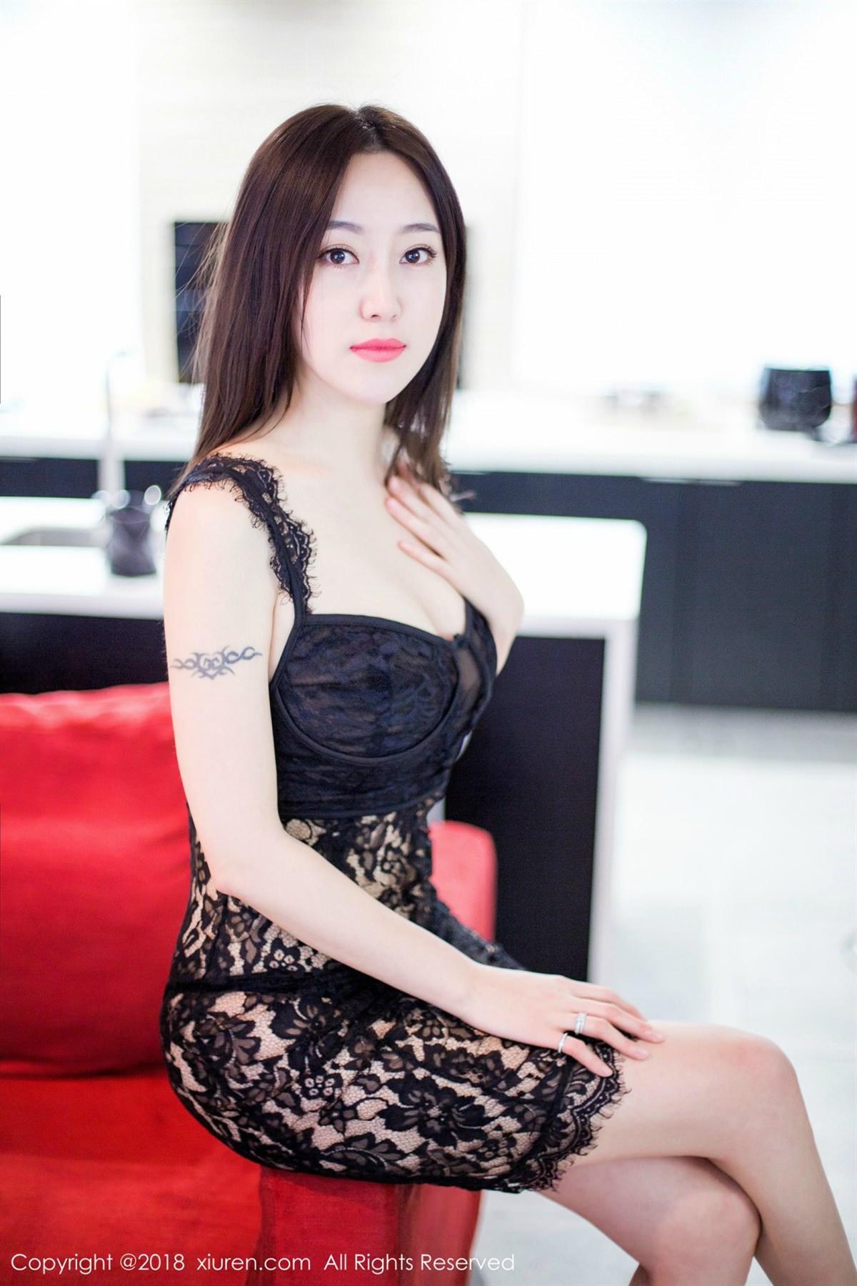 XiuRen No.1072 5P, Xiuren, Yi Wen Eva