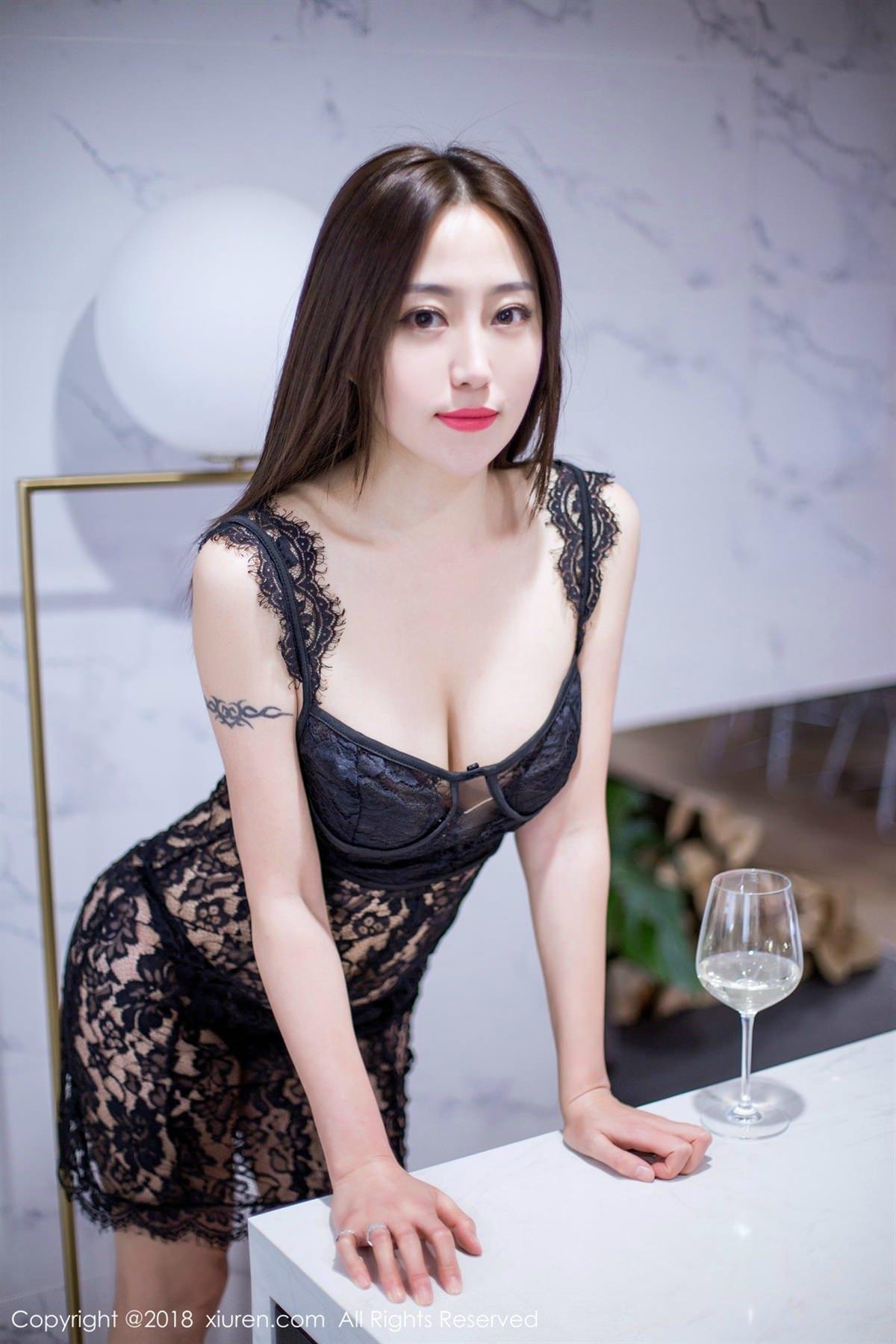 XiuRen No.1072 8P, Xiuren, Yi Wen Eva