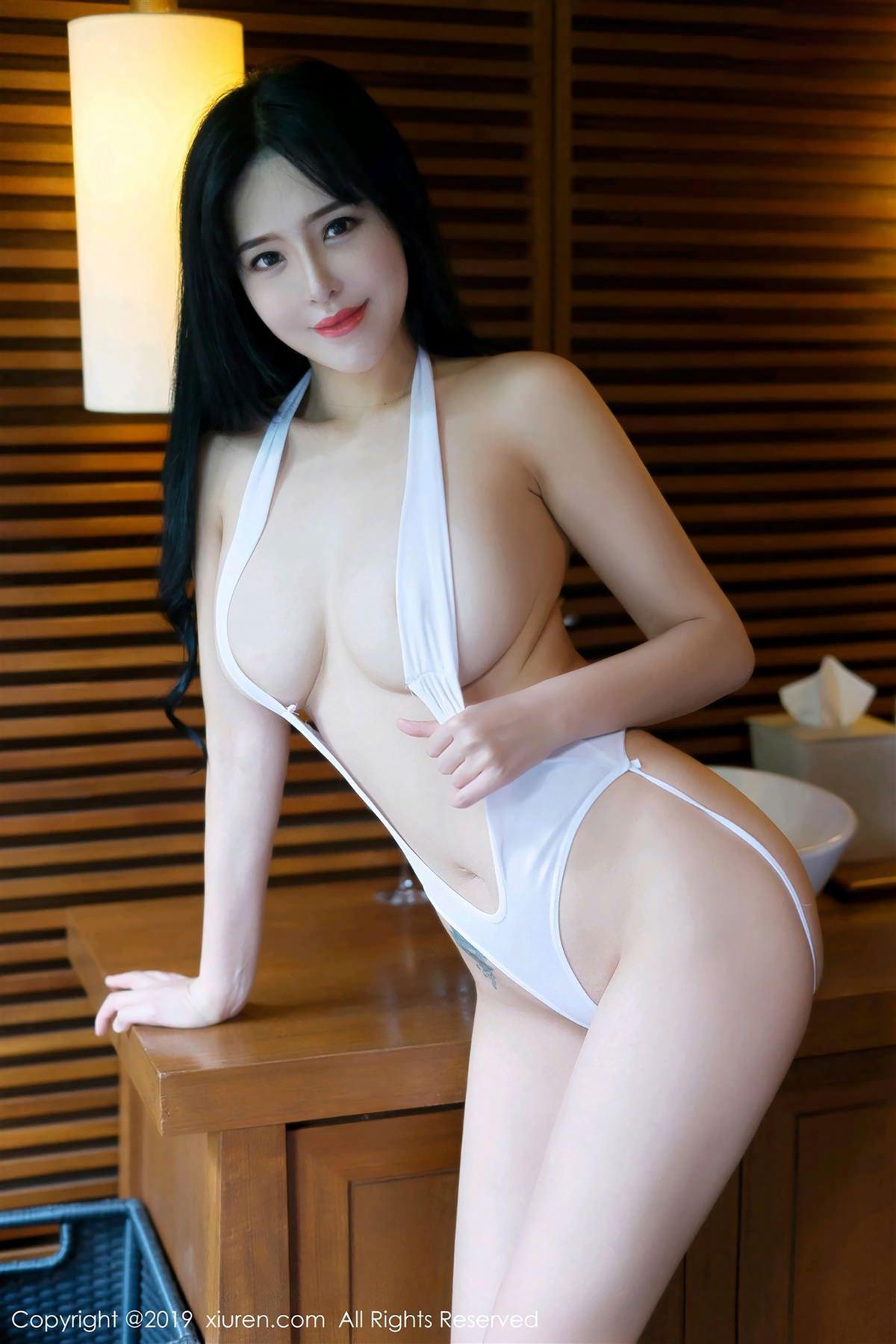 XiuRen No.1360 2P, Liu Yu Er, Xiuren