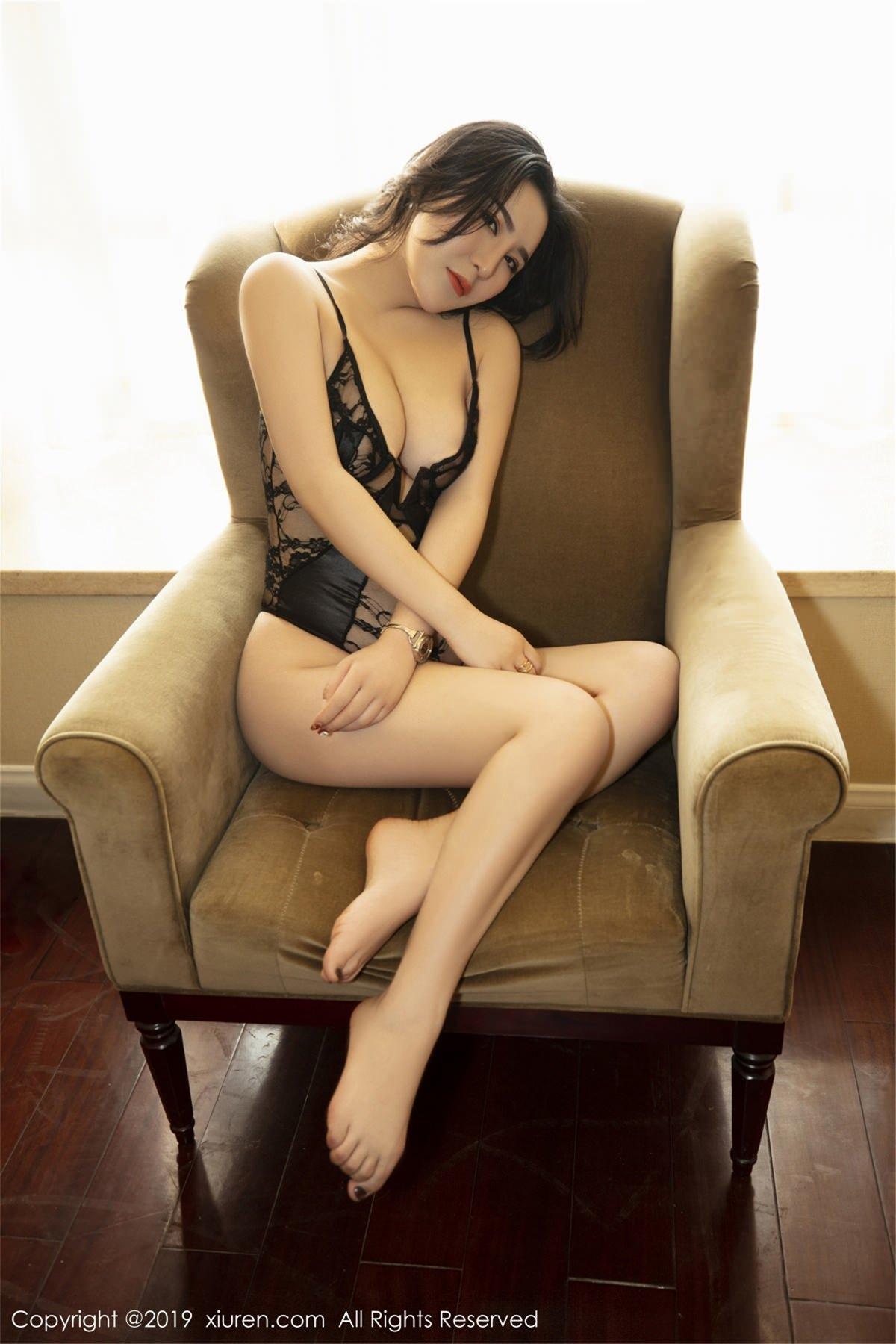 XiuRen No.1395 33P, Xiuren, Yi Ruo