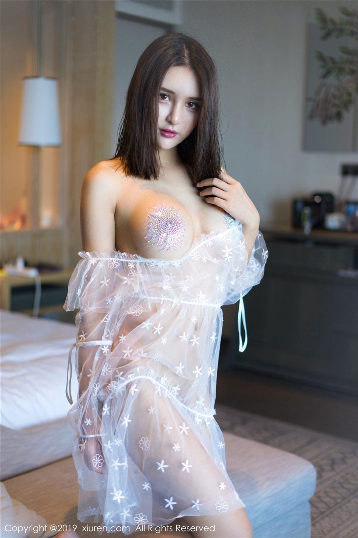 XiuRen No.1399 2P, Solo Yi Fei, Xiuren