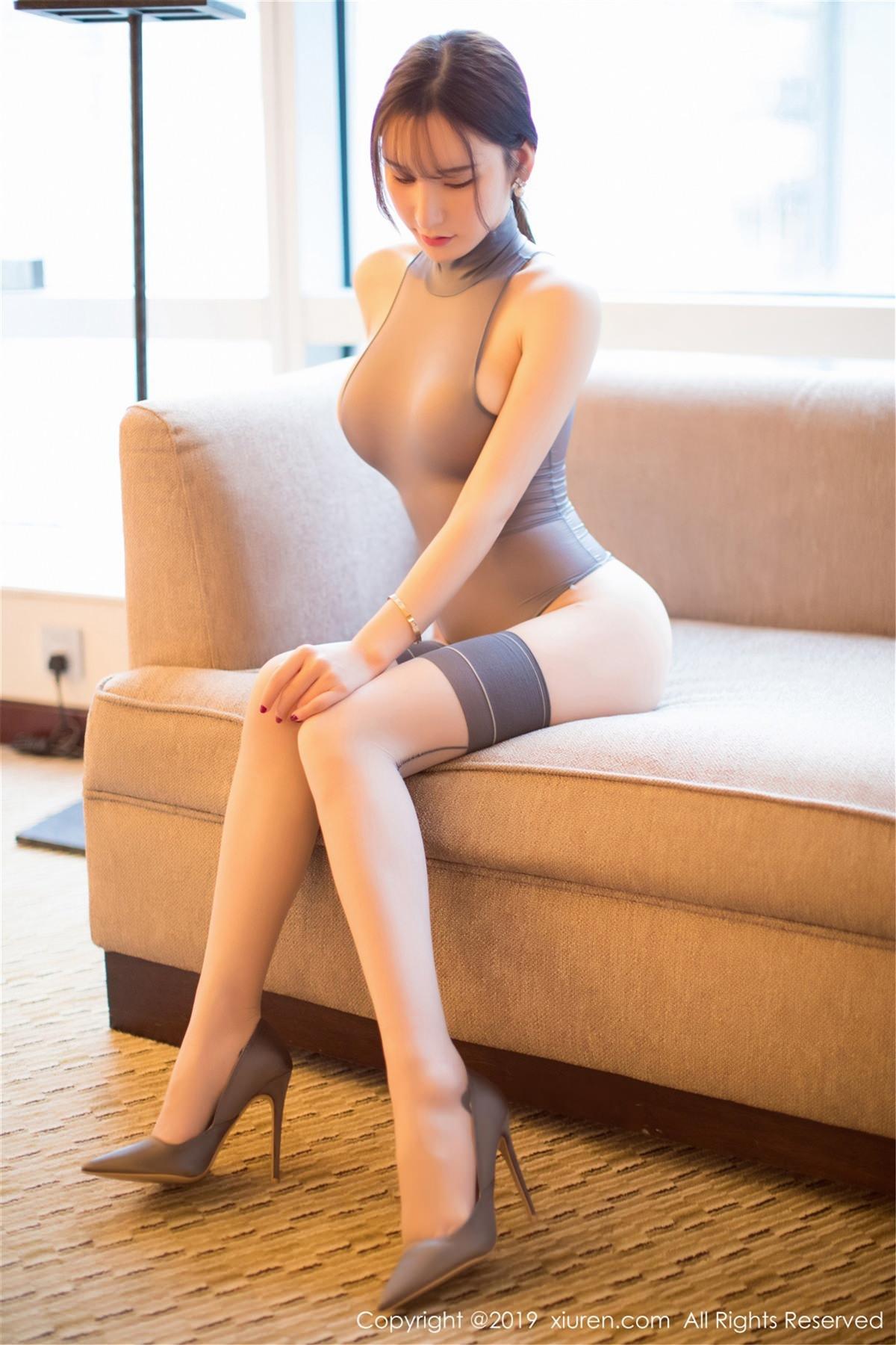 XiuRen No.1423 66P, Xiuren, Zhou Yu Xi