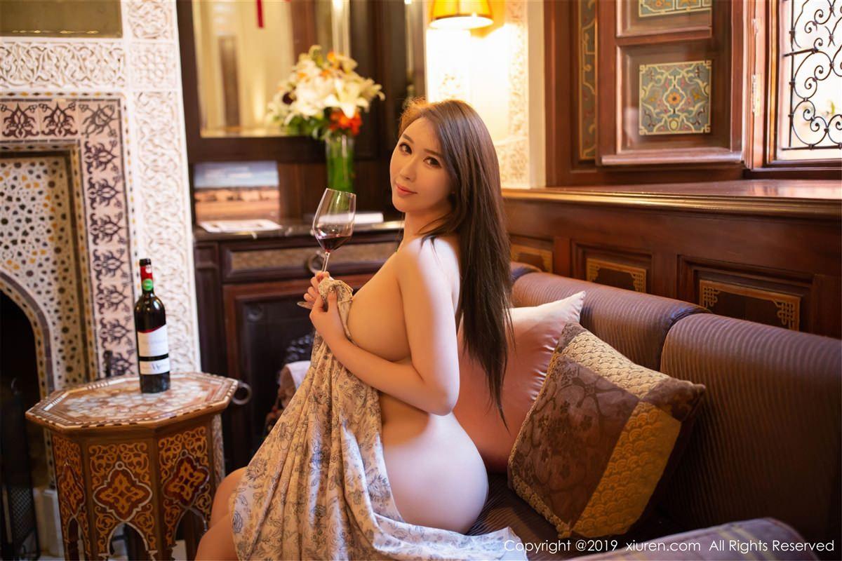 XiuRen No.1441 2P, Egg Younisi, Xiuren