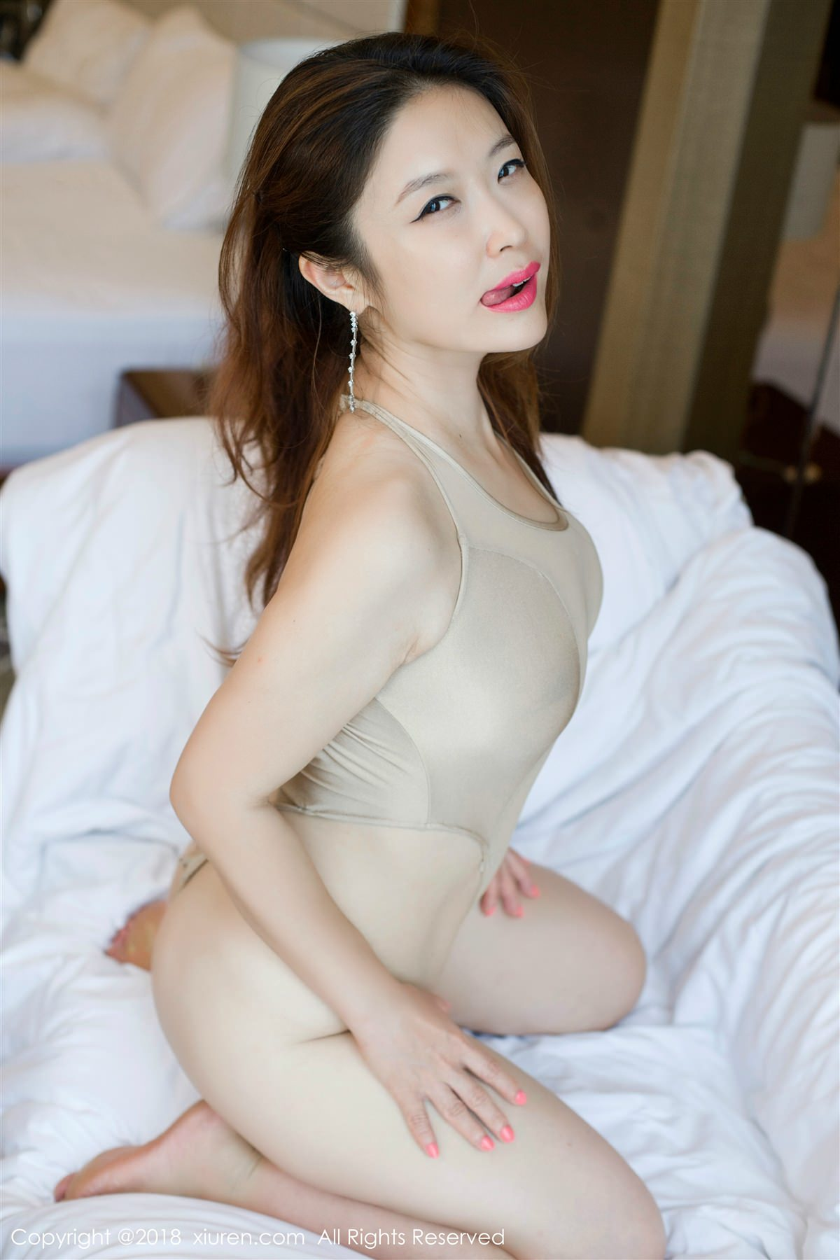XiuRen No.948 20P, Xi Xi Bai Tu, Xiuren